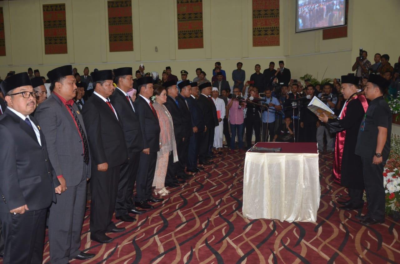 40 Anggota DPRD Tulang Bawang Terpilih Disumpah Jabatan