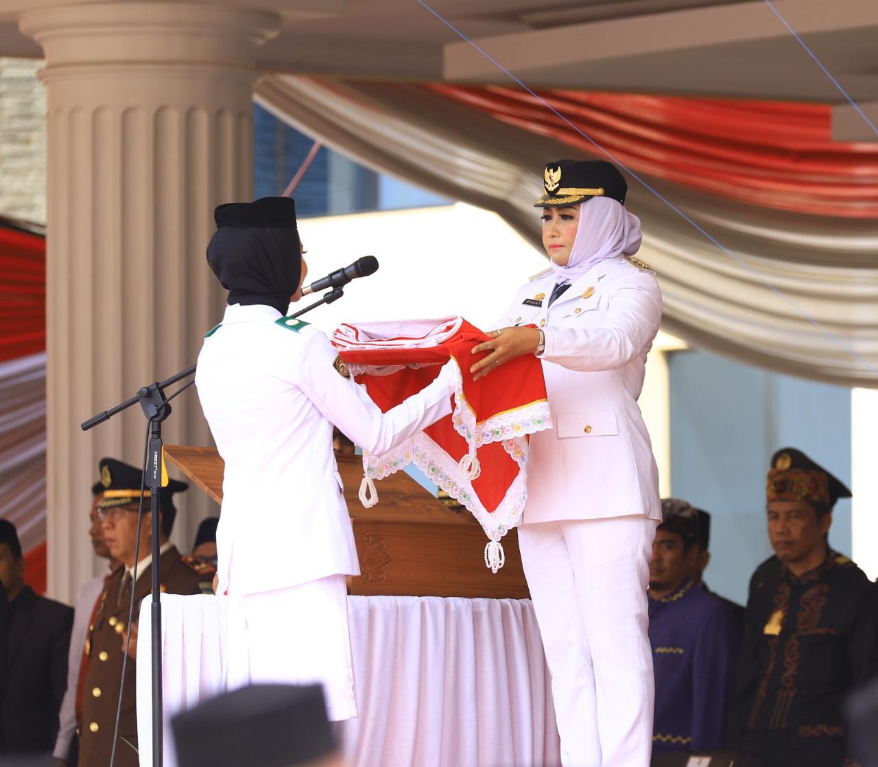 Bupati Winarti Pimpin Upacara HUT RI Ke-74, Beri Tali Asih Veteran dan Remisi Napi