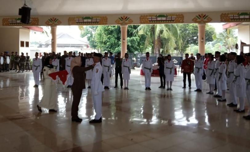 Bupati Winarti Kukuhkan Paskibraka Tulang Bawang 2019