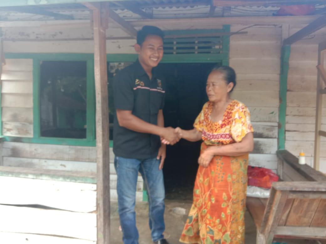 Cari Berkah dan Berharap Jauh Dari Musibah, Pengusaha SPBU Simpang Pematang Santuni Lansia