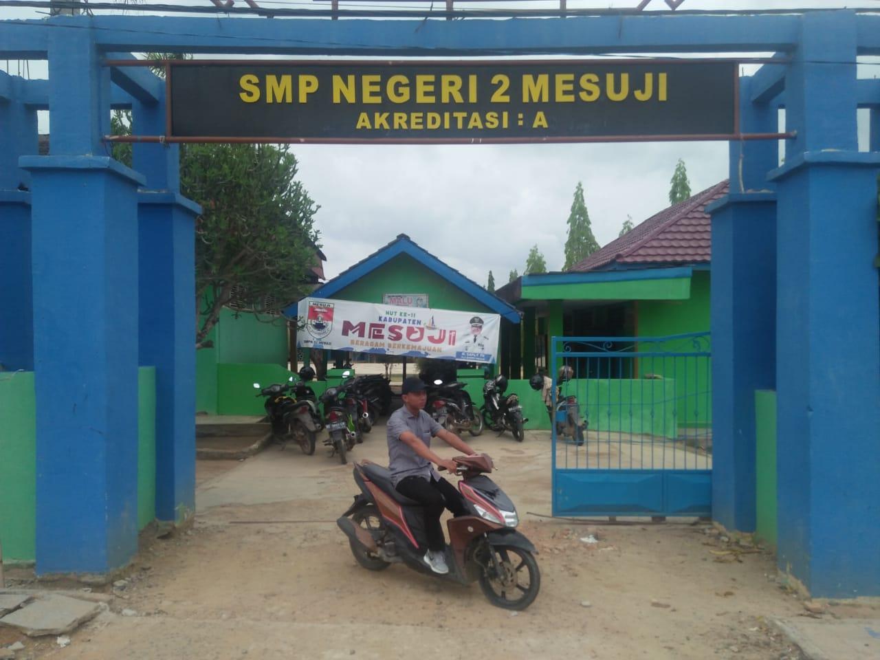 Diduga Bermasalah Rehap Bangunan SMPN 02 Mesuji Asal Jadi, Kepsek Alergi Wartawan