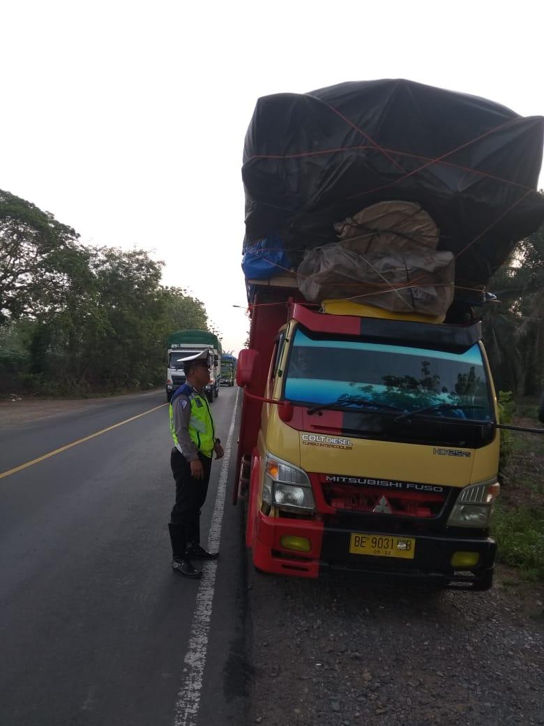 Satlantas Polres Lamteng Tilang Kendaraan ODOL dan Pelanggar Lalin
